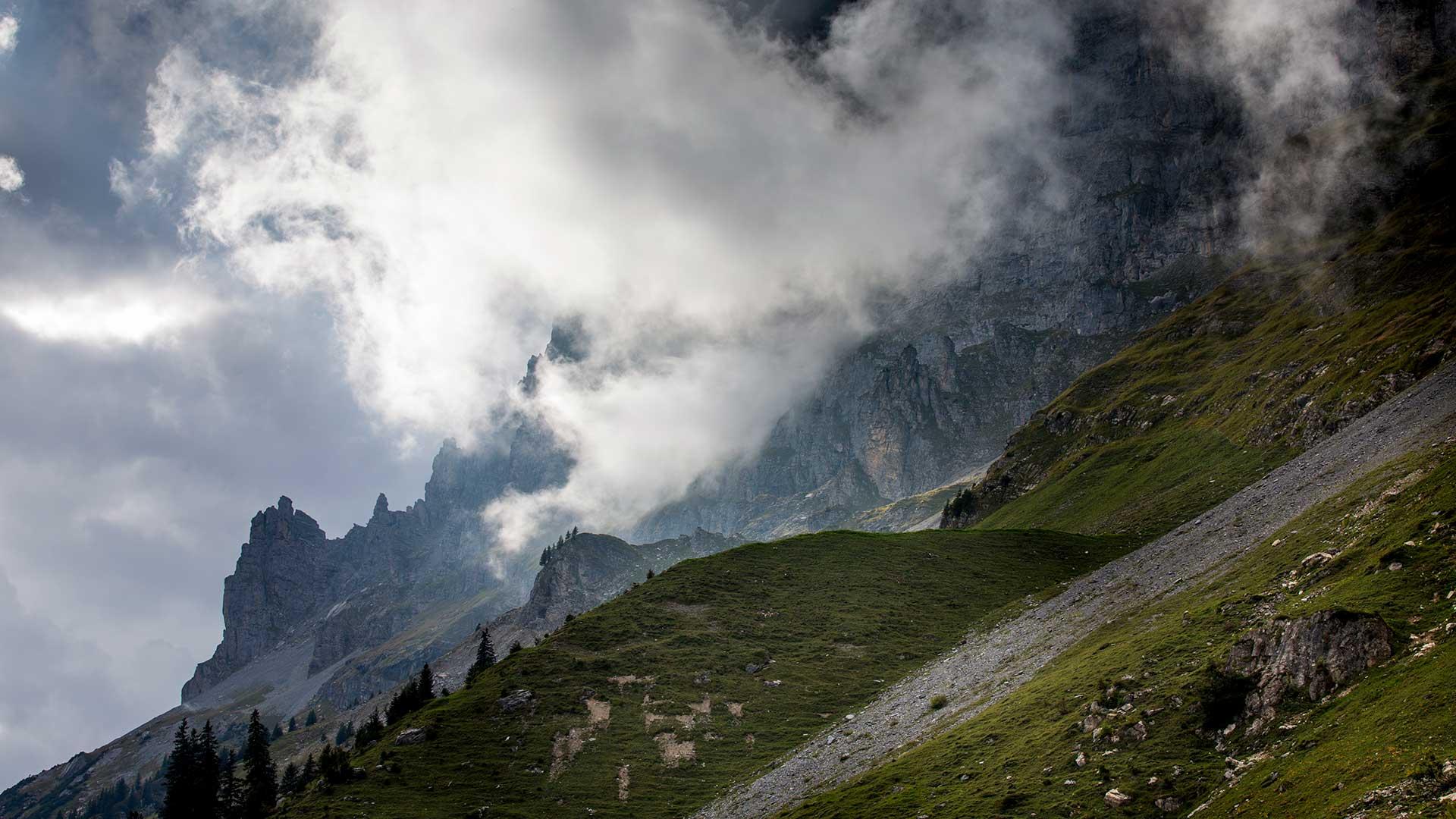 Wanderung Engstlenalp-Tälli: Ausblicke in die Gadmer-Dolomiten.