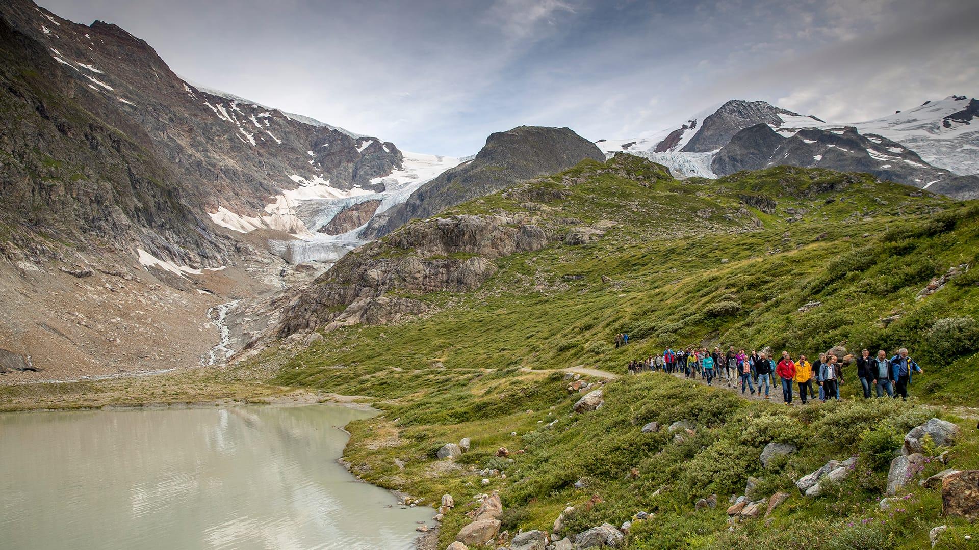 Mit allen Sinnen die Bergwelt erleben: Gletscherpfad Steingletscher.